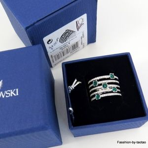 NIB Swarovski Creativity Ring w Emerald crystal